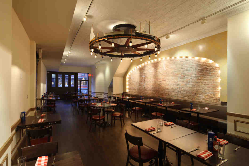 Grand Central Oyster Bar Brooklyn Makes For A Real Staycation